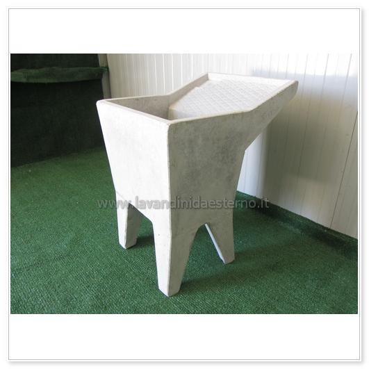 ... una vasca grigia 36 - lavandini da esterno  lavelli  lavabi  acquai