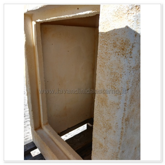 Lavabo da esterno outlet mobiletto pietra 83395 con sportello for Arredamento per giardino outlet