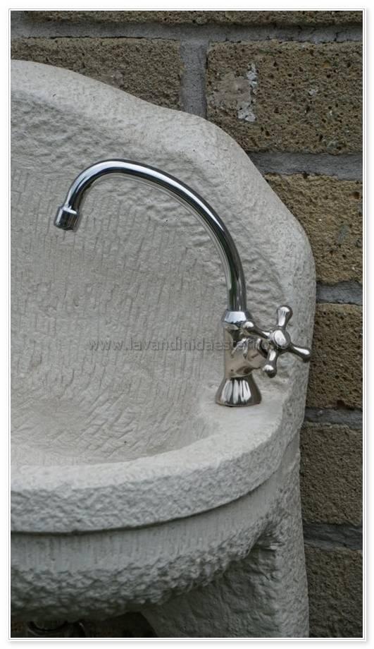 rubinetto da esterno corto con croce ru190