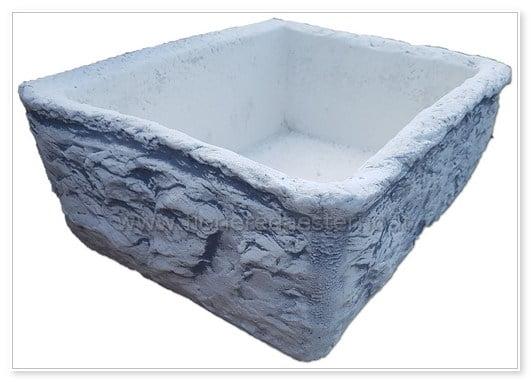 acquaio in pietra