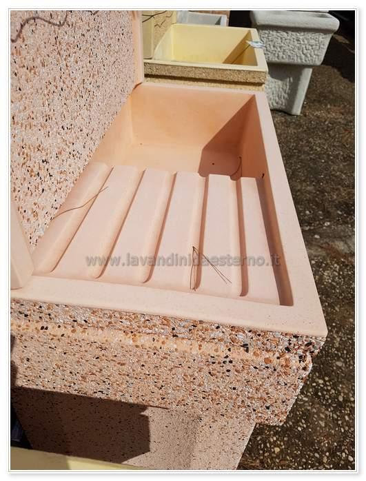 lavabo in pietra per esterno
